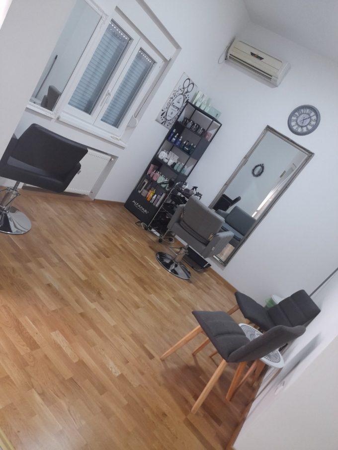 Salon uutrašnjost